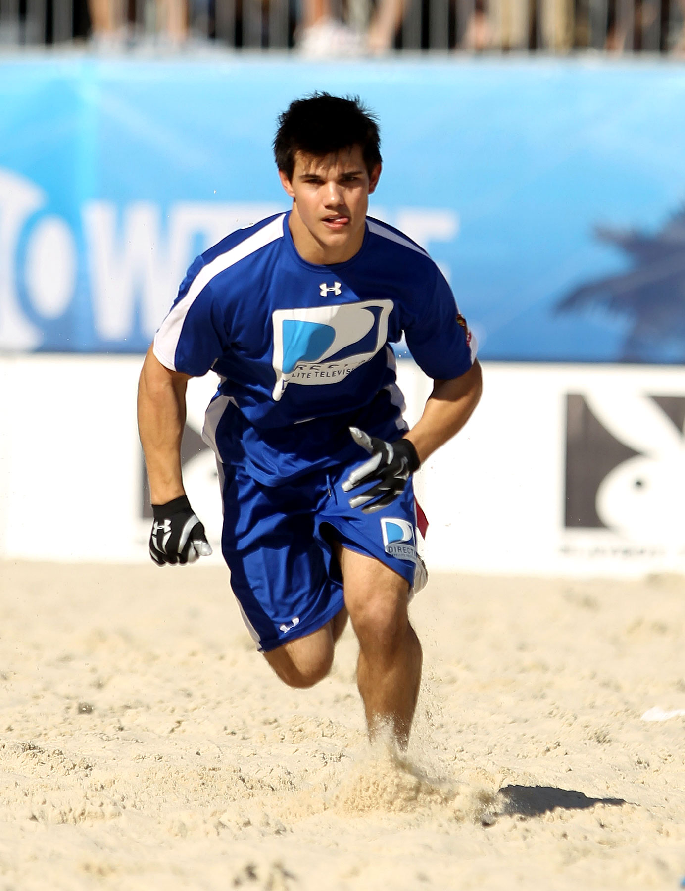 Taylor Lautner, Other Hotties Play Flag Football (PHOTOS)