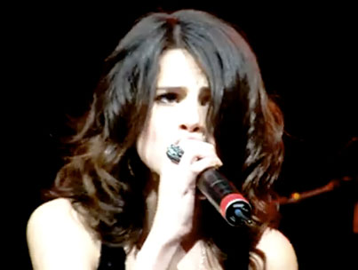 Selena Covers Selena as Nick Jonas Looks on Approvingly (VIDEO)