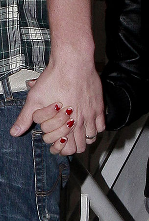Guess Who: Celebrity Hand-Holders For Valentine's Day (PHOTOS)