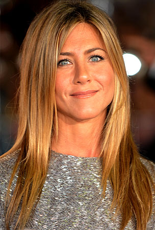 BUZZINGS: Jennifer Aniston Is Saving Mexico One Vacation at a Time