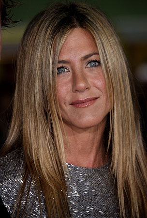 Turning Lemons Into Lemonade: Jennifer Aniston to Host Valentine's Day Soiree