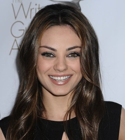 Mila Kunis Pretties Up the WGA Awards While 'The Hurt Locker,' 'Up in the Air' Score Big