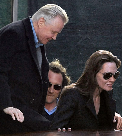 "BUZZINGS: Angelina Jolie's Father Joins Her ""Look, We're a Happy Family!"" Tour of Italy"