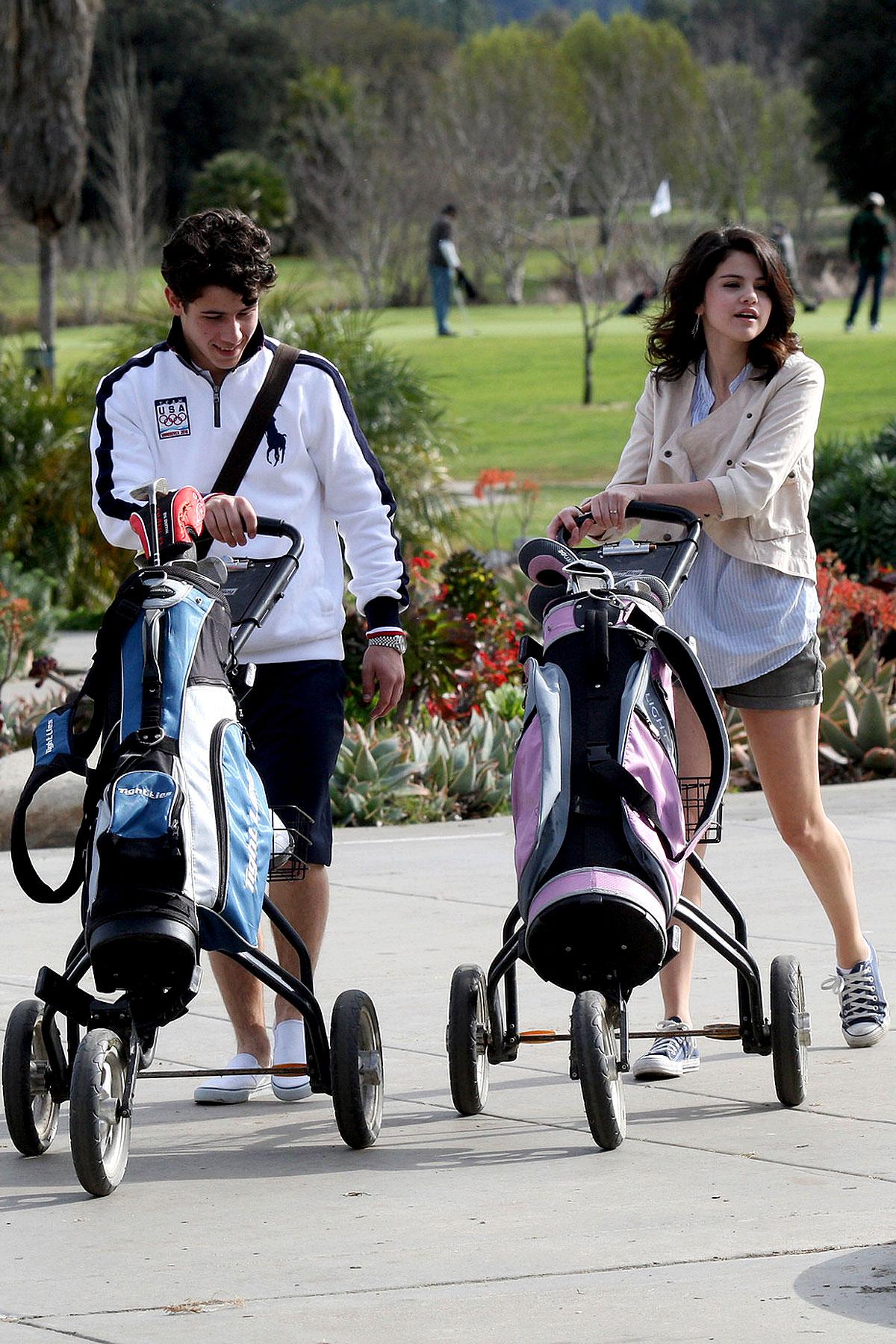 Nick Jonas and Selena Gomez Go For Some Couples Golfing (PHOTOS)