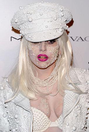 Lady GaGa Reveals Sex-Scandal Shocker: She's Celibate!