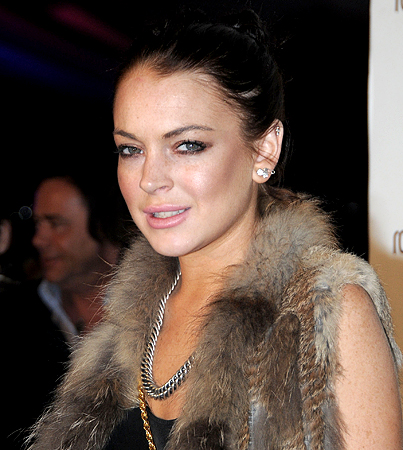 Lindsay Lohan Is Writing Her Memoirs, Presumably on a Pile of Crumpled Cocktail Napkins