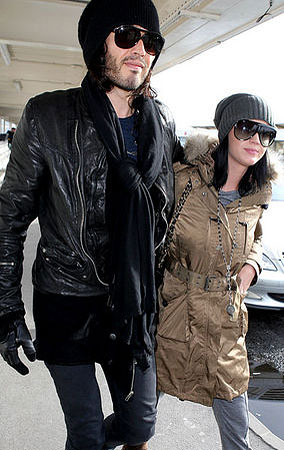 Russell Brand and Katy Perry Wear Matching 'Incognito Celeb' Gear (PHOTOS)