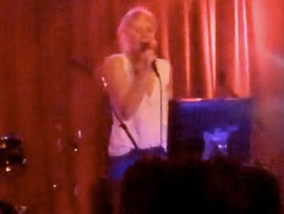 Gwyneth Paltrow Is a Golden-Throated Songbird (VIDEO)