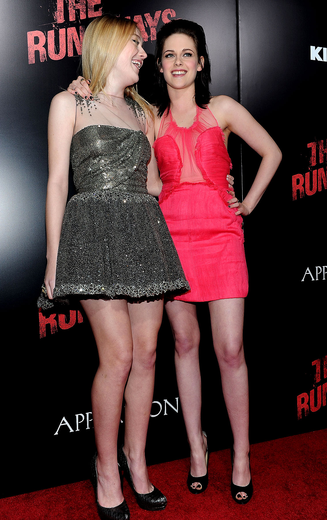 Kristen Stewart Is a Pink Rocker at 'The Runaways' Premiere (PHOTOS)