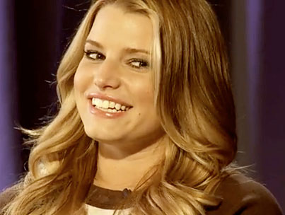 Jessica Simpson Says She Doesn't Brush Her Teeth in an Effort to Appear Even More Sexy (VIDEO)