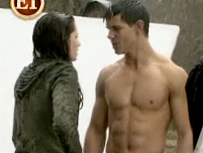 We Have a Sneak Peek at the 'New Moon' DVD Extras, if Anyone's Interested (VIDEO)