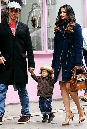 Matthew McConaughey And His Family Are Prettier Than You (PHOTOS)