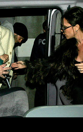 Victoria Helps David Beckham In Sickness And In Health (PHOTOS)