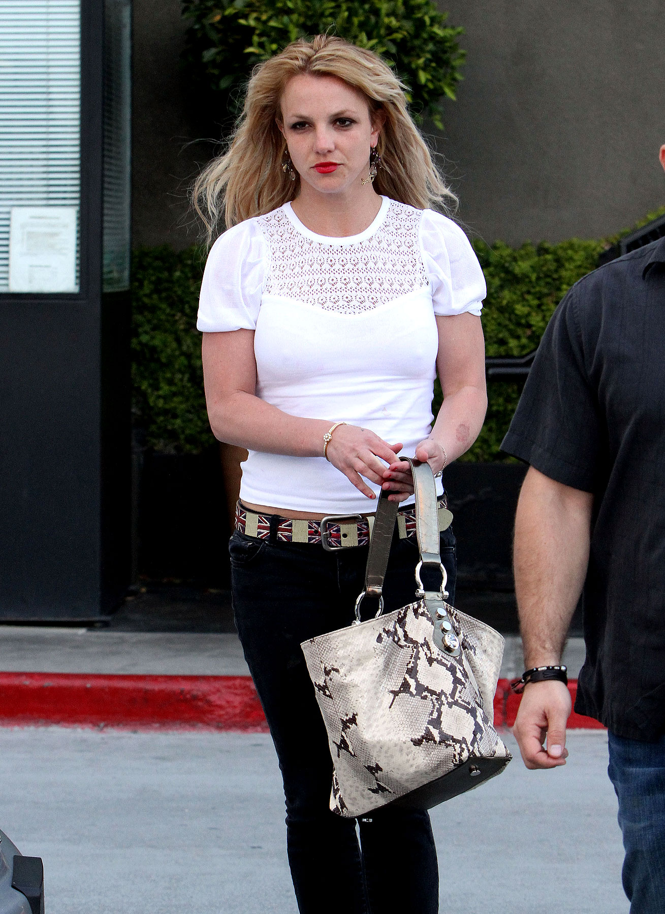 Britney Spears Goes To The Gas Station, On A Date (PHOTOS)