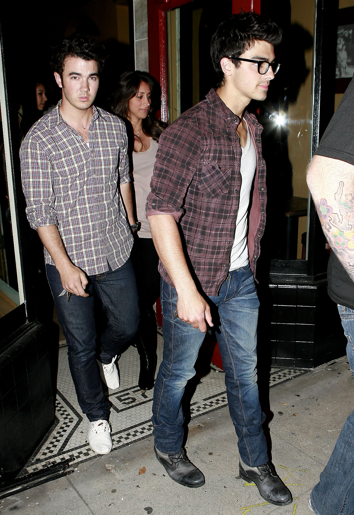 The Jonas Brothers Eat Italian (PHOTOS)