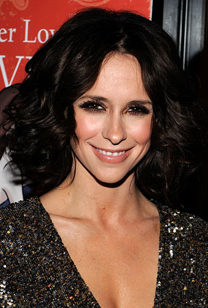 Jennifer Love Hewitt Completes Spurned-Woman Transformation With Lifetime Movie Role