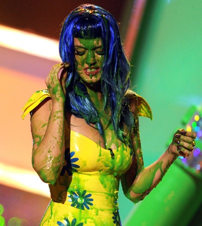 Katy Perry Delivers Slime-Time Entertainment at the Kids' Choice Awards (VIDEO)