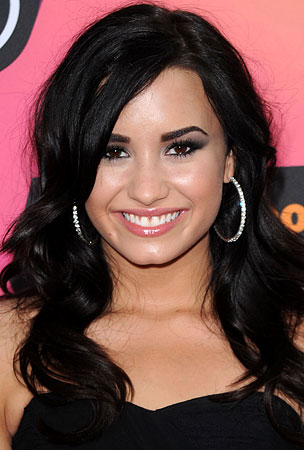 Demi Lovato Goes Crazy For 'Grey's Anatomy'