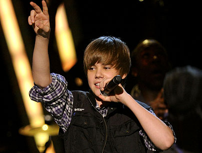 OMG, Justin Bieber Debuts At No. 1 On Billboard Charts!