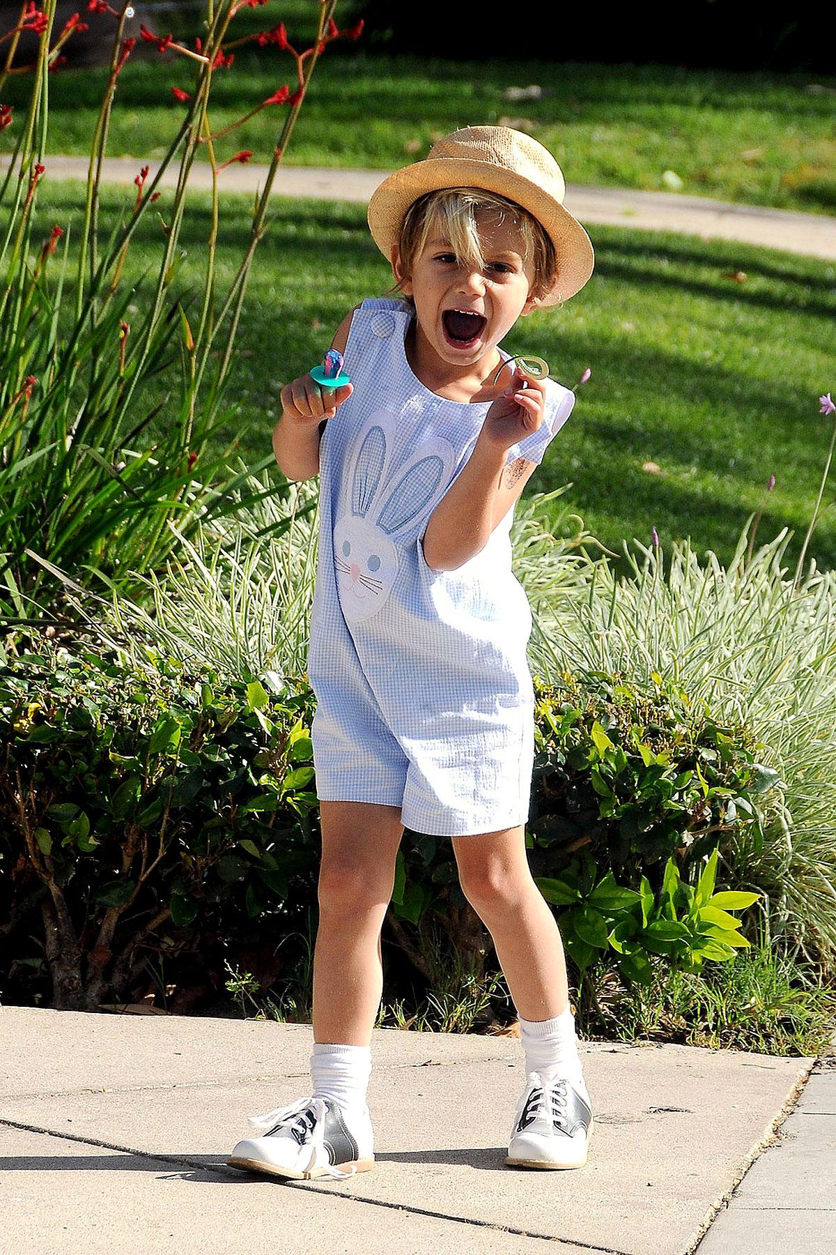 Kingston Rossdale: Will Dance for Easter Eggs (PHOTOS)