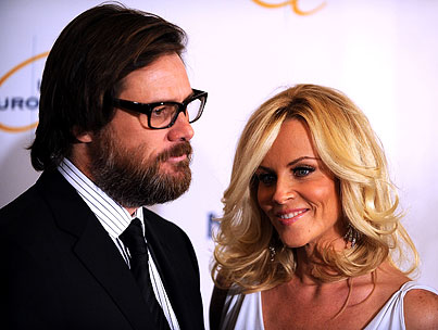 Jim Carrey and Jenny McCarthy Are Break-Up Innovators, Announce Split via Twitter