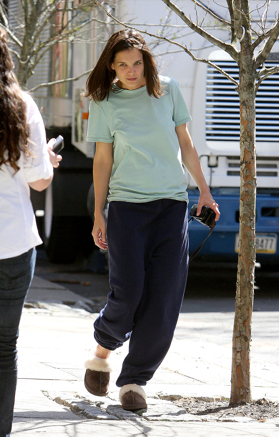Fashion FAIL: Katie Holmes Has A Closet Full Of Sweatpants