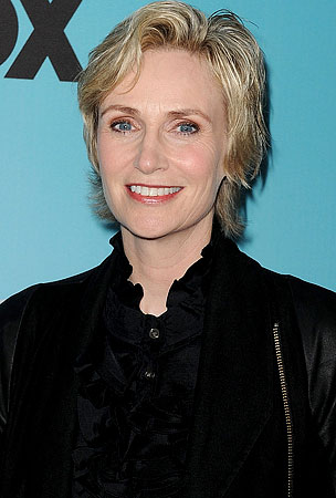 'Glee' Star Jane Lynch Is Getting Married