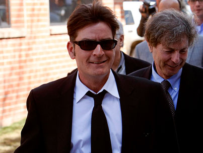 BUZZINGS: Charlie Sheen Denies Cheating on Wife, Despite Looking Like Total Perv