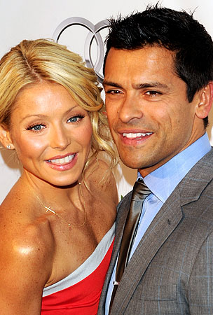 Kelly Ripa's Husband Doesn't Want To See Her Naked For Some Reason
