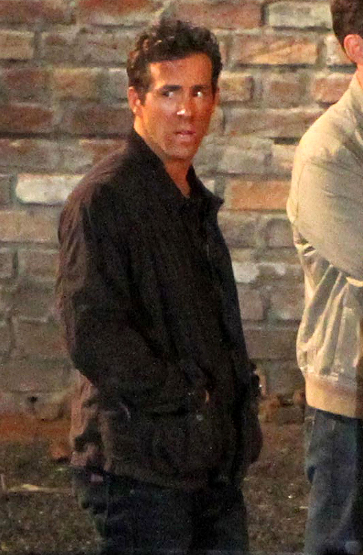 Ryan Reynolds Prepares to Play a Hot Superhero Again on the 'Green Lantern' Set (PHOTOS)