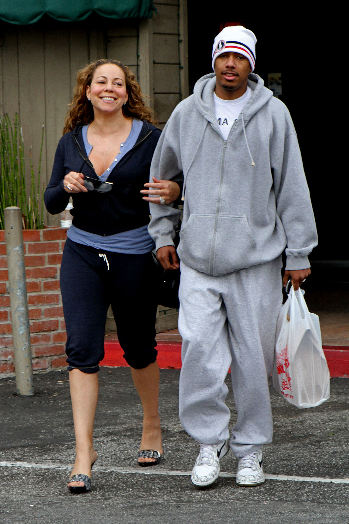Celebrities Wear Sweatpants, Just Like We Do (PHOTOS)