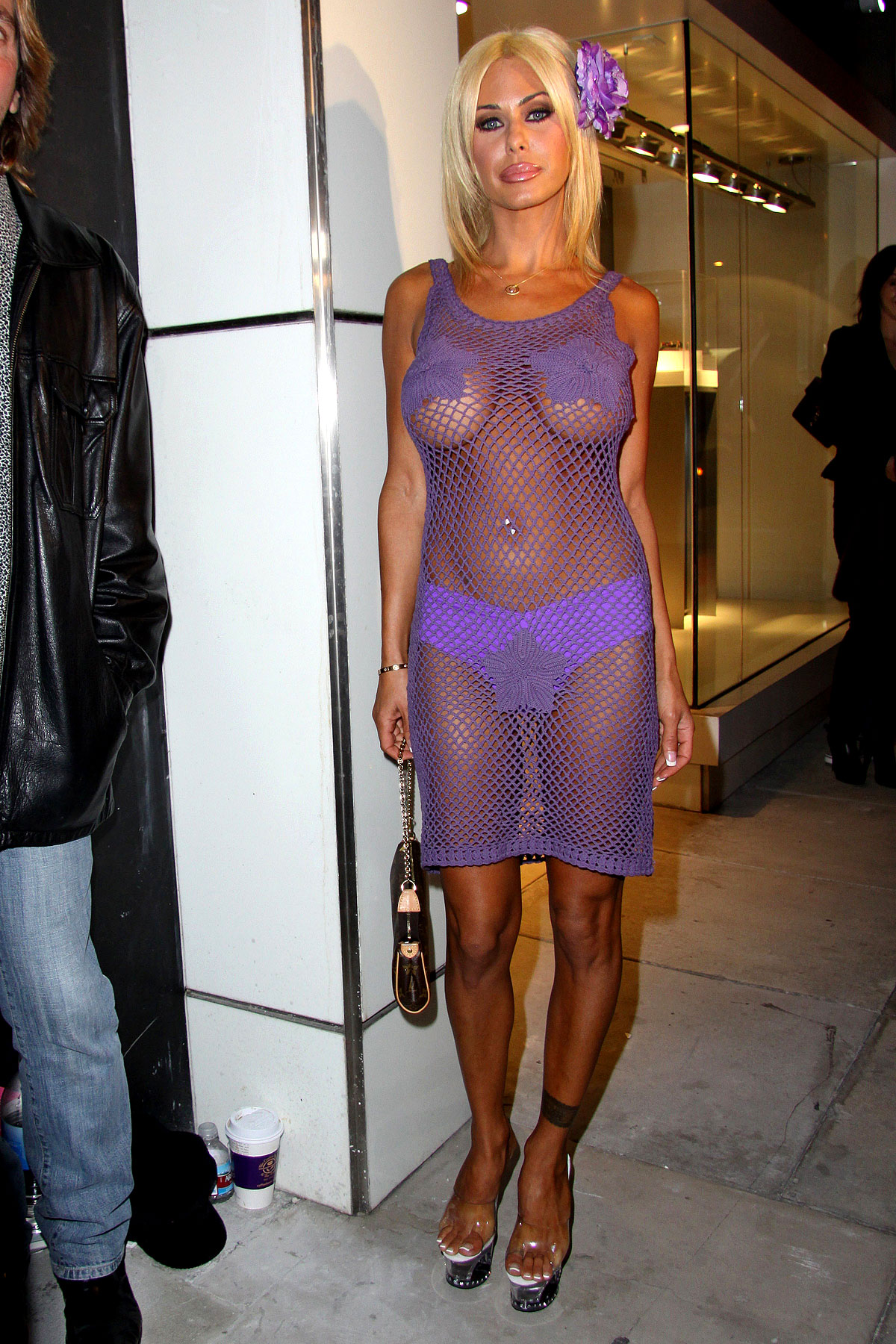 Fashion FAIL: Shauna Sands' Purple Web Of Awesome Exudes Class (PHOTOS)