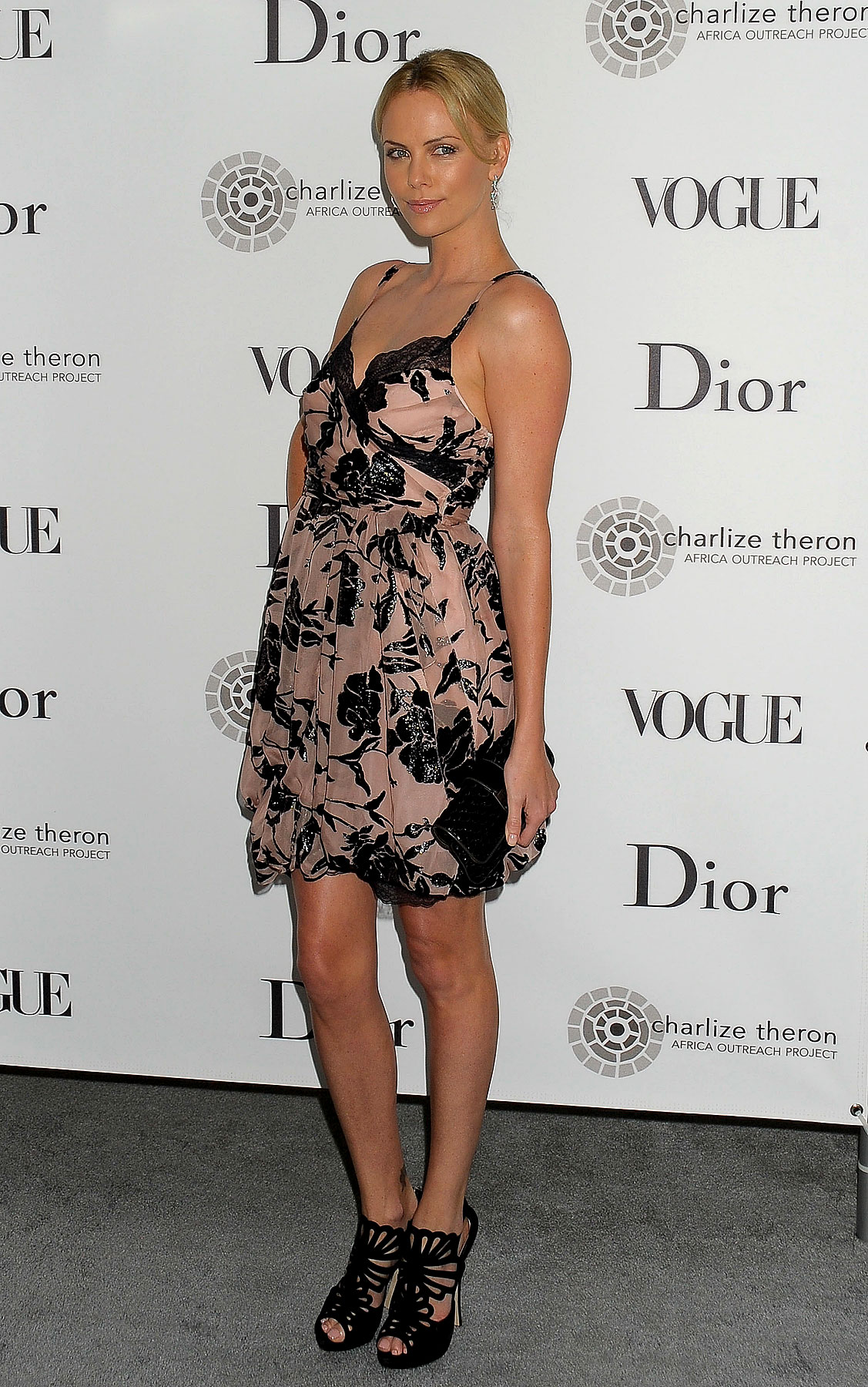 Fashion FTW: Charlize Theron Is Good At Wearing Floral (PHOTOS)