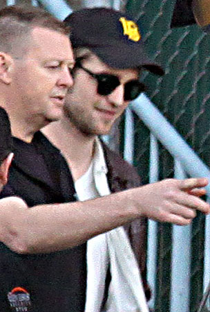 Robert Pattinson Safely Arrives In Vancouver On The S.S. Dreamboat (PHOTOS)