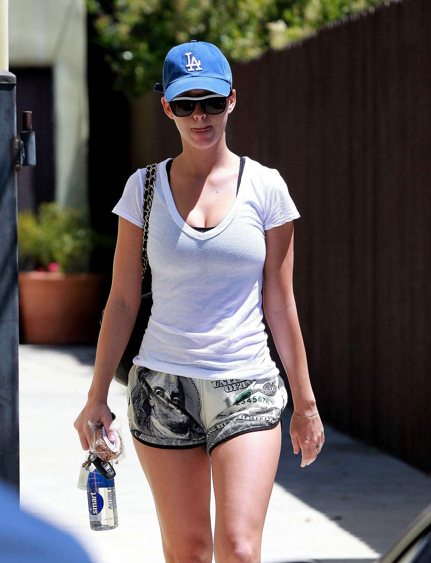 Katy Perry Wears Hundred Dollar Shorts, Literally (PHOTOS)