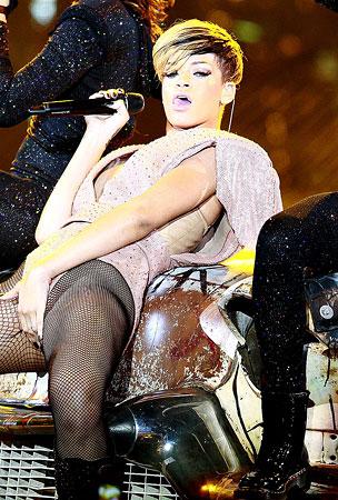 Rihanna Is A Good Girl Gone Bad In Paris (PHOTOS)