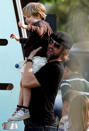 Brad Pitt Lends A Shoulder To Shiloh At The Playground (PHOTOS)
