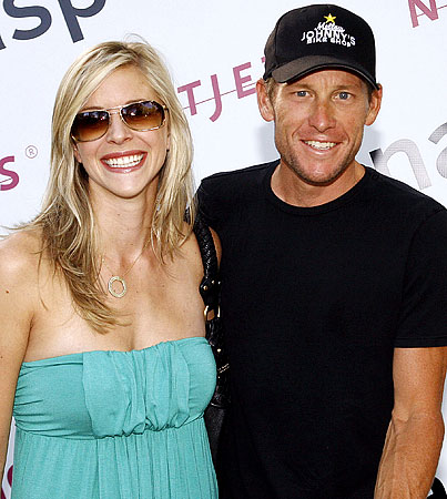 Lance Armstrong's Baby-to-Be Introduces Itself via Twitter