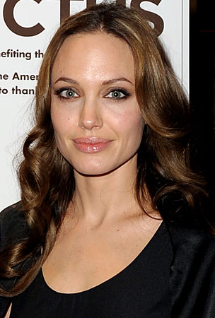 Is Angelina Jolie Too Important To Hang Out With President Obama?