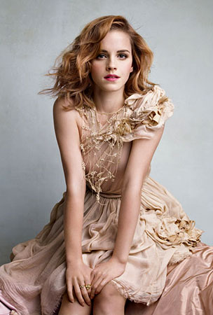 Emma Watson Looks Super Hot in the New 'Vanity Fair' (PHOTO)