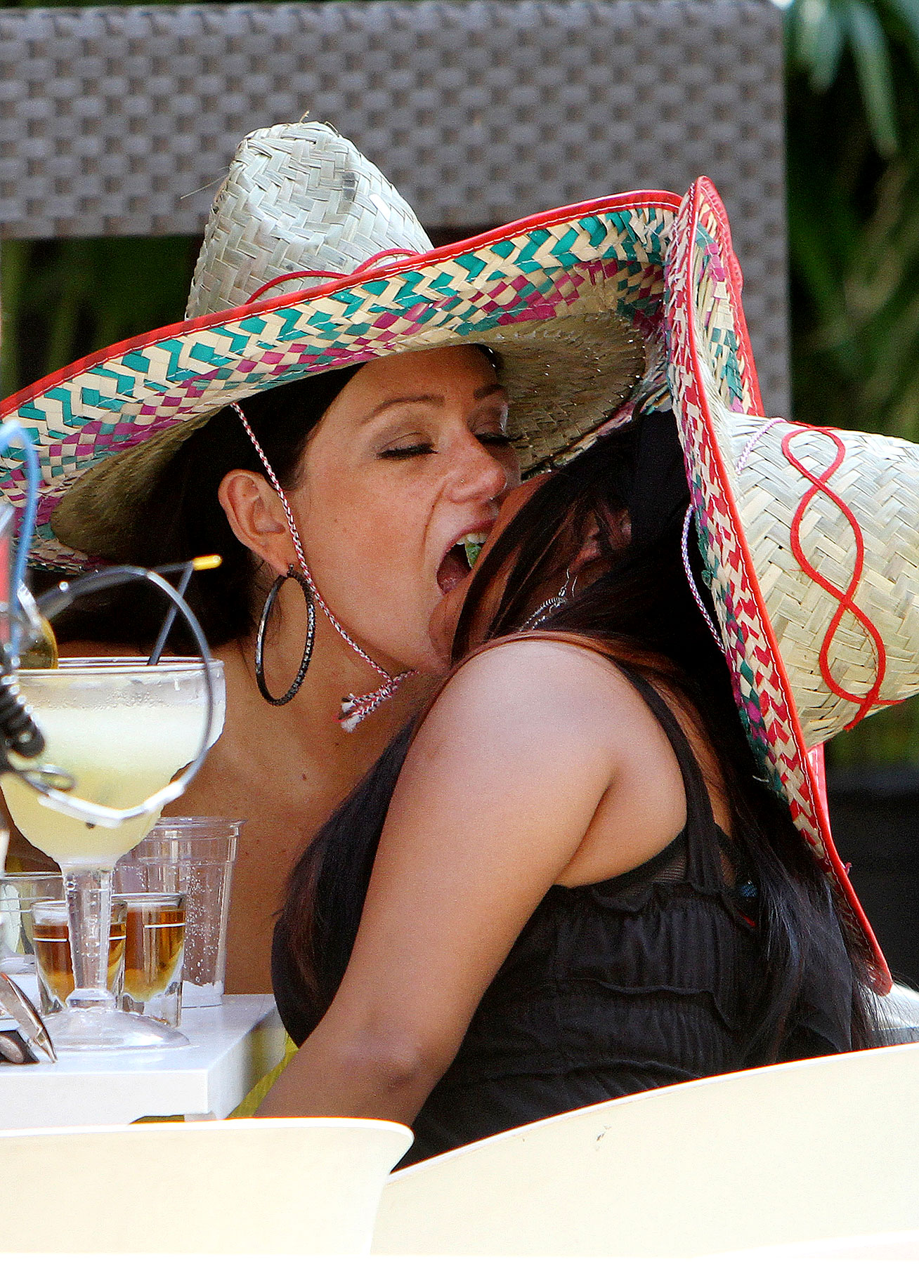 Snooki and JWoww Get Loco For Cinco de Mayo (PHOTOS)