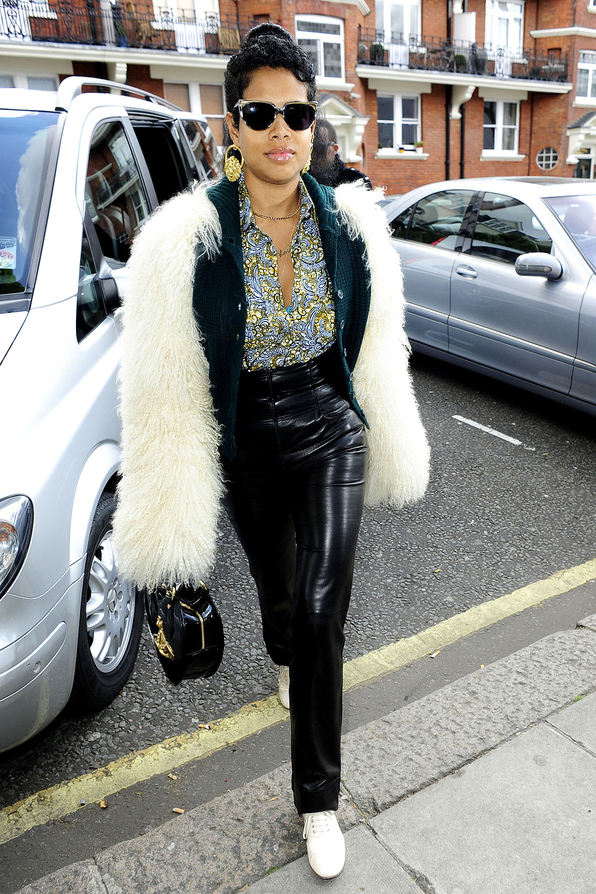 Fashion FAIL: Kelis Wears The Fur Of A Sheepdog (PHOTOS)