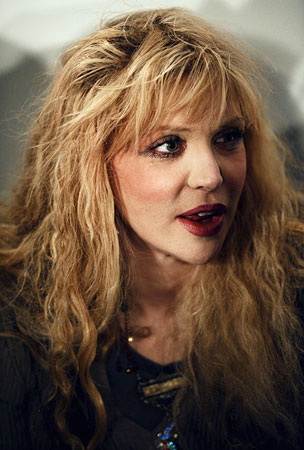 Courtney Love Boards the Meltdown Express at Heathrow Airport