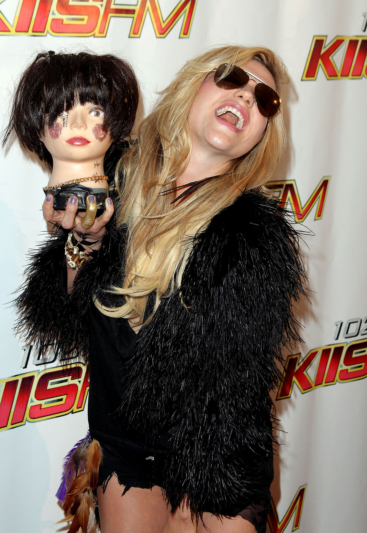 Kesha Accessorizes With Dismembered Head At Wango Tango (PHOTOS)