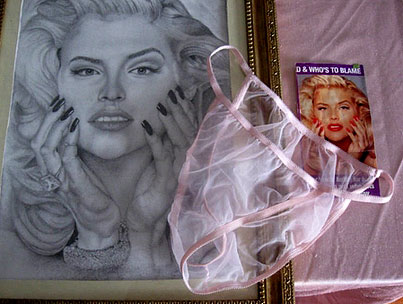Woman Airs Anna Nicole Smith's Dirty Laundry On Ebay