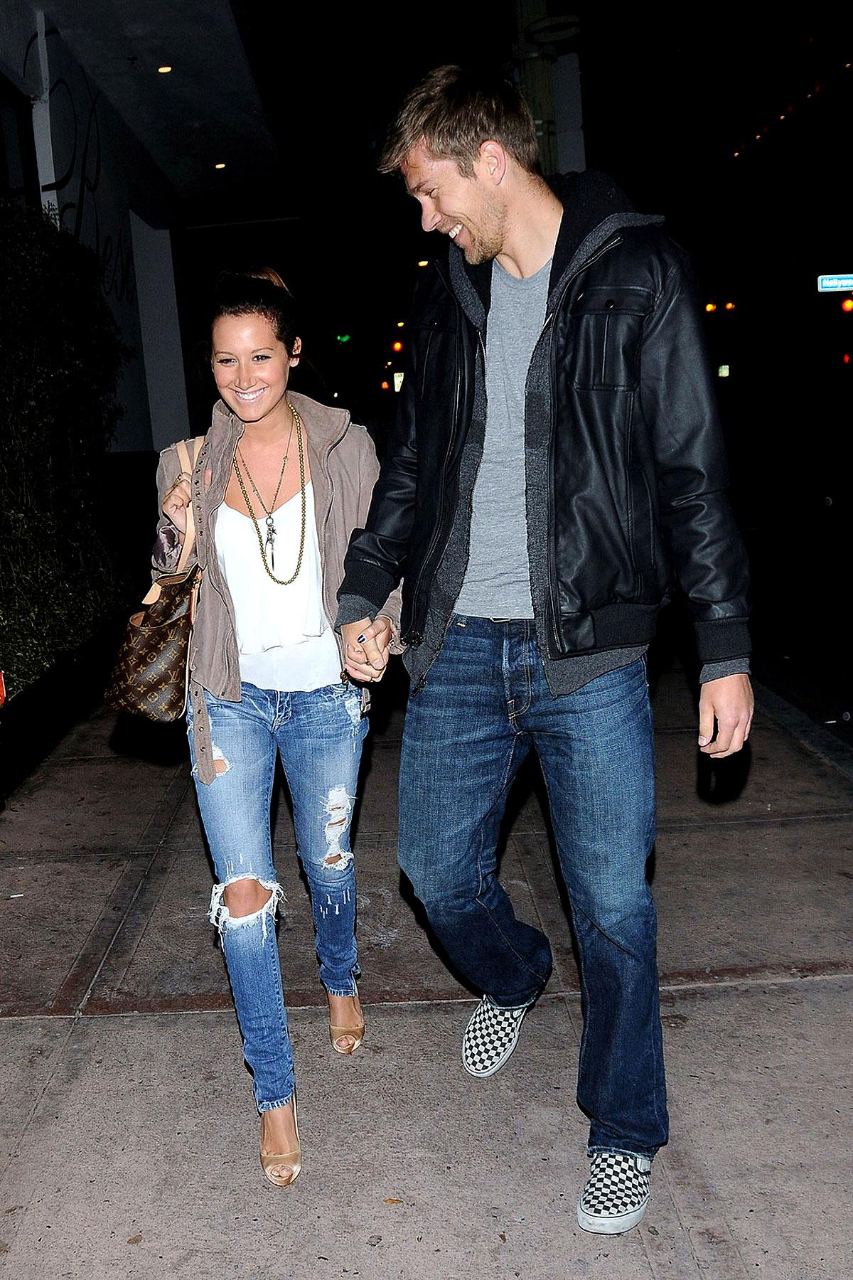 Ashley Tisdale Is Tiny Next To Her Boyfriend (PHOTOS)
