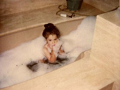 Khloé Kardashian Posts Naked Photo Again