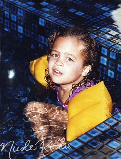 Aww, Little Nicole Richie Is Wearing Her Floaties
