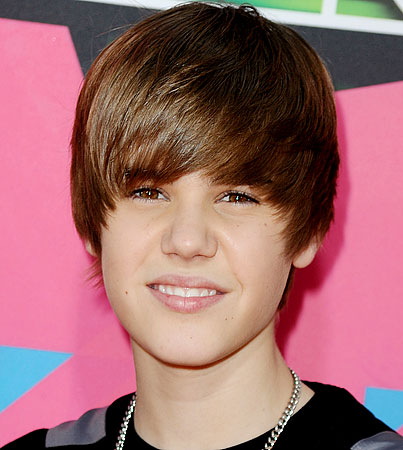 BUZZINGS: Justin Bieber Swears He's A Great Kisser