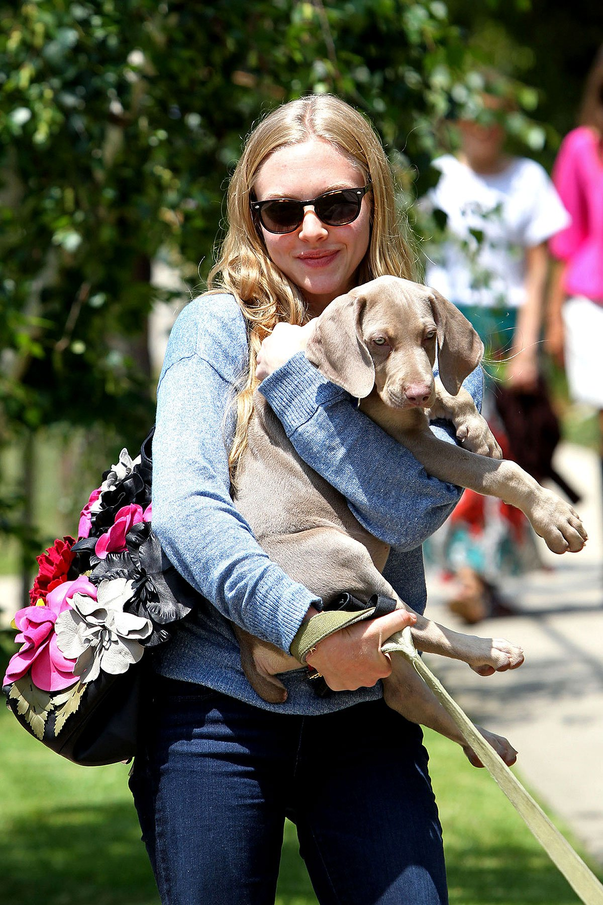 Amanda Seyfried Gets Over Ex With Some Puppy Love (PHOTOS)